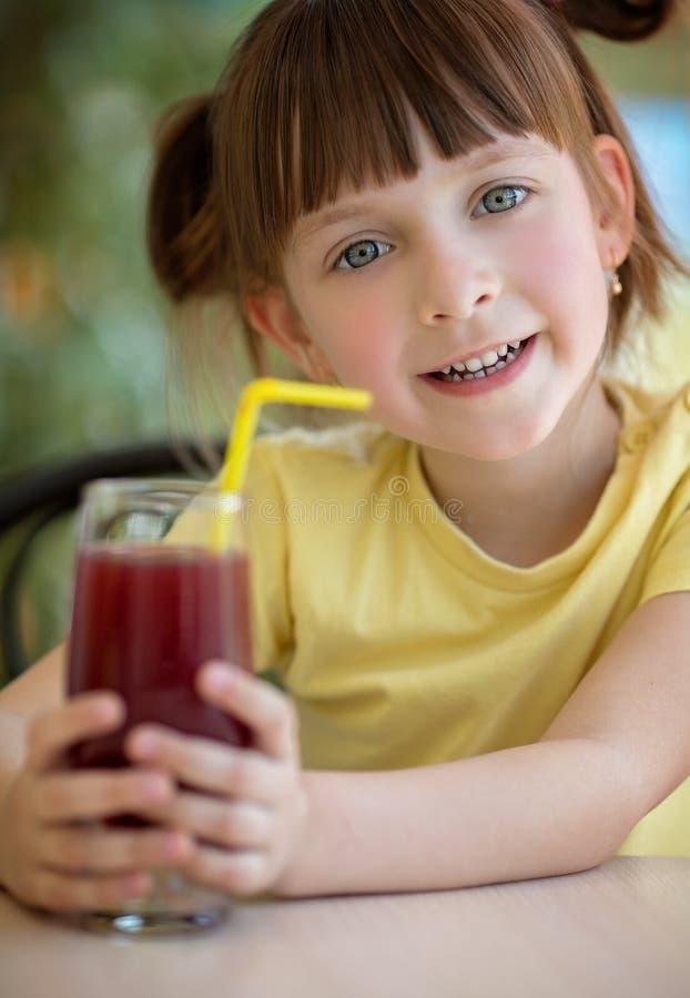 Еда и принципиальная схема питья стоковое изображение