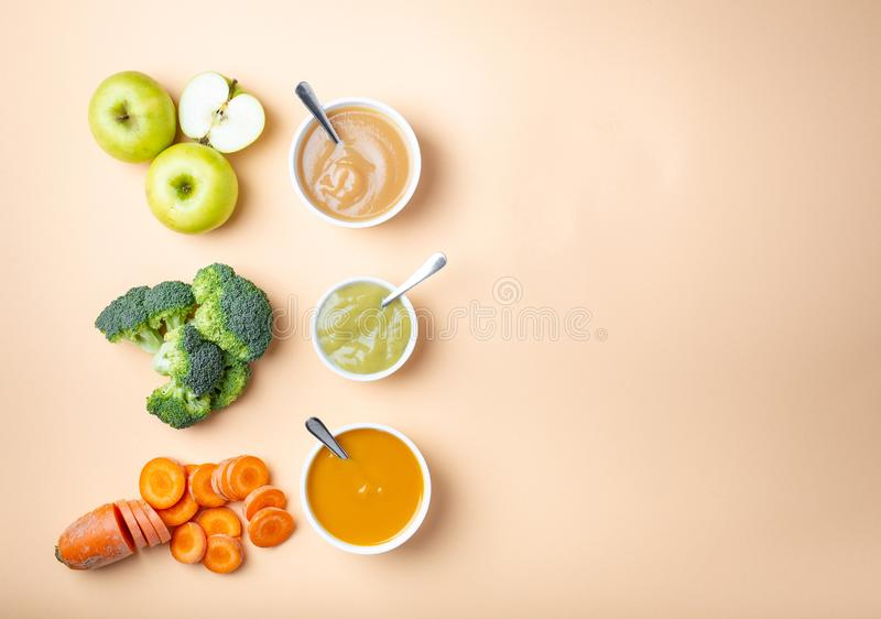 Еда младенца естественная стоковое фото