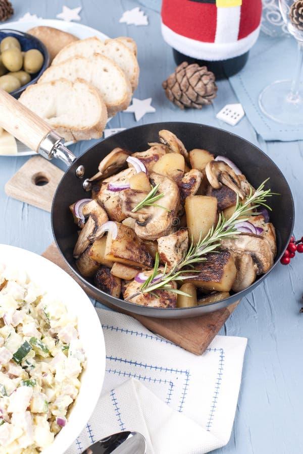 Еда на праздник рождества и Нового Года в России Festiv стоковое фото rf