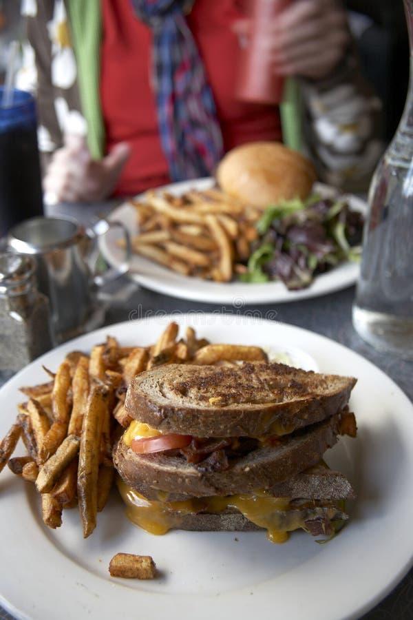 еда обедающего стоковое изображение rf
