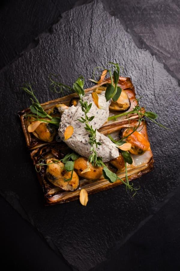 Еда ресторана Pate изысканная на темной предпосылке стоковое изображение