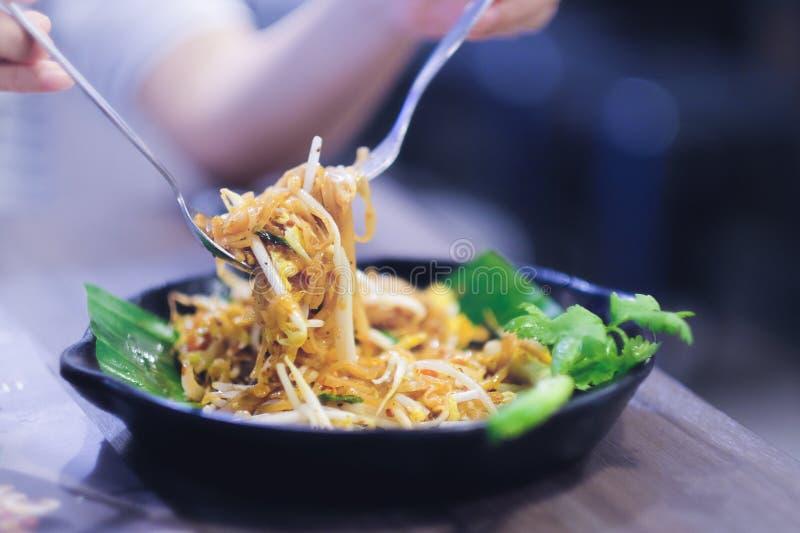 Еда улицы Тайской кухни стоковая фотография rf