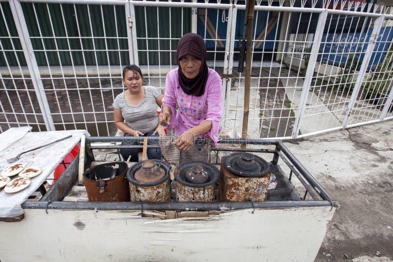 Еда Serabi-Индонезии традиционная стоковые фото