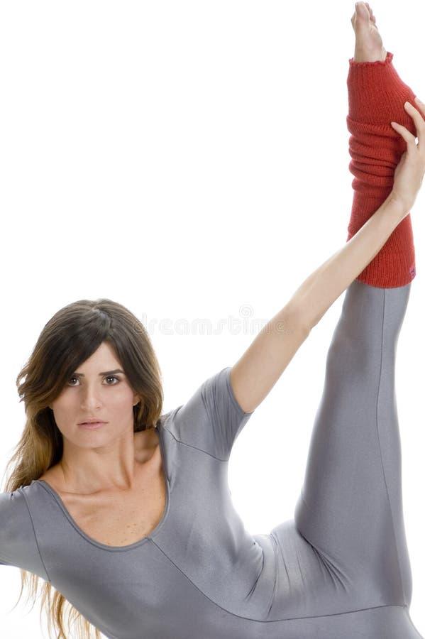 ее нога протягивая женщину стоковые фотографии rf