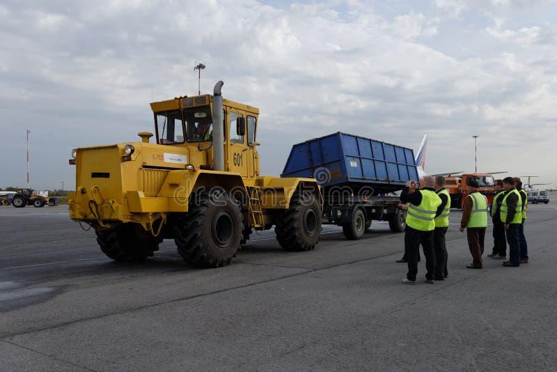 Ежегодное обозрение аэродромного оборудования в Pulkovo, Санкт-Петербурге, России стоковые изображения rf