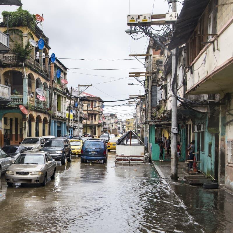 Ежедневно затопляемые улицы после тропического дождя в двоеточии Панаме стоковые изображения