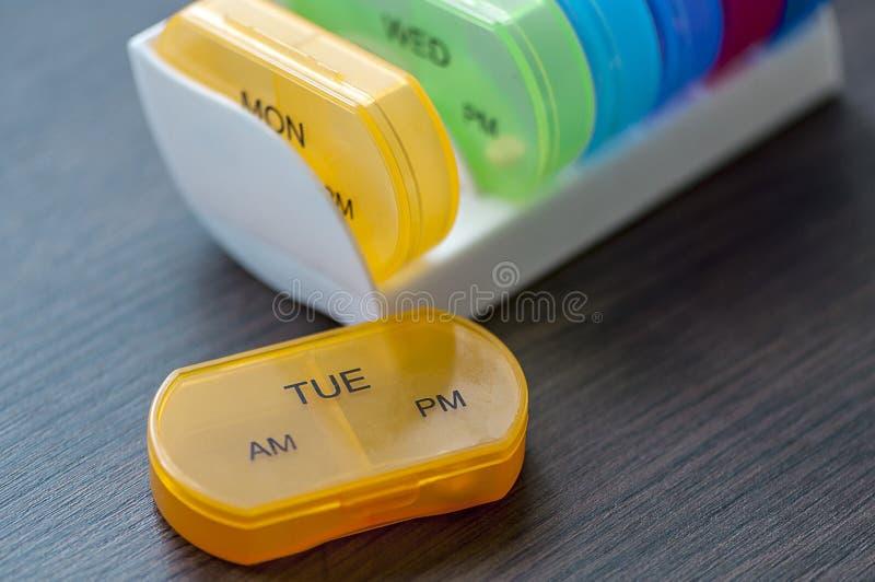 Ежедневные коробки пилюльки стоковое изображение