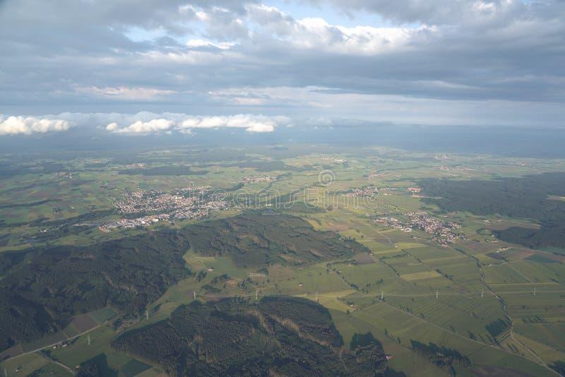 Езда воздушного шара над Allgäu стоковая фотография