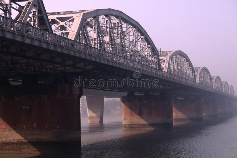 Езда шлюпки на реке Ганге стоковое фото