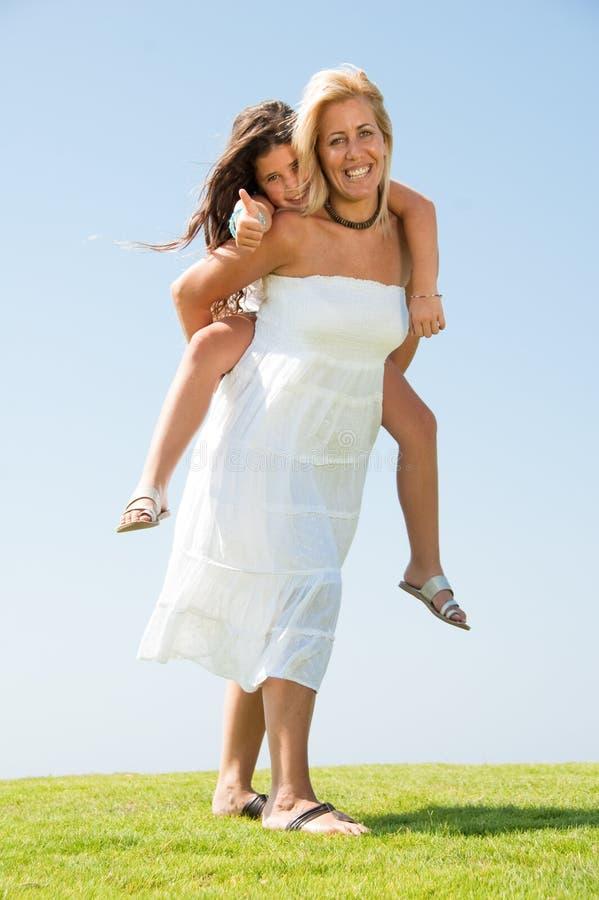 езда piggyback стоковое фото rf