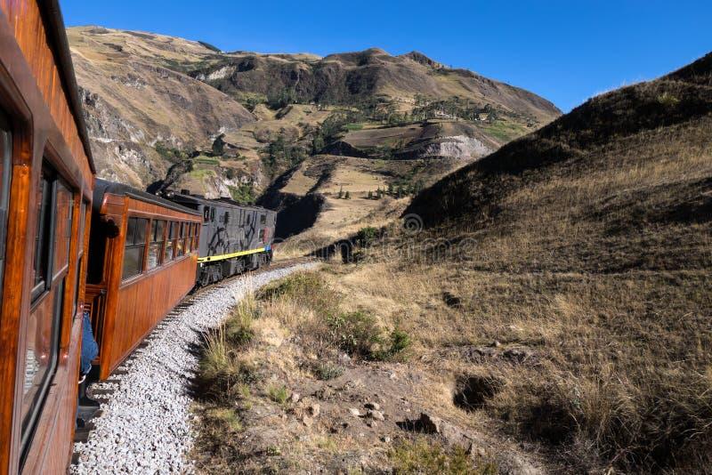 Езда поезда Nariz Del Диабло стоковое изображение