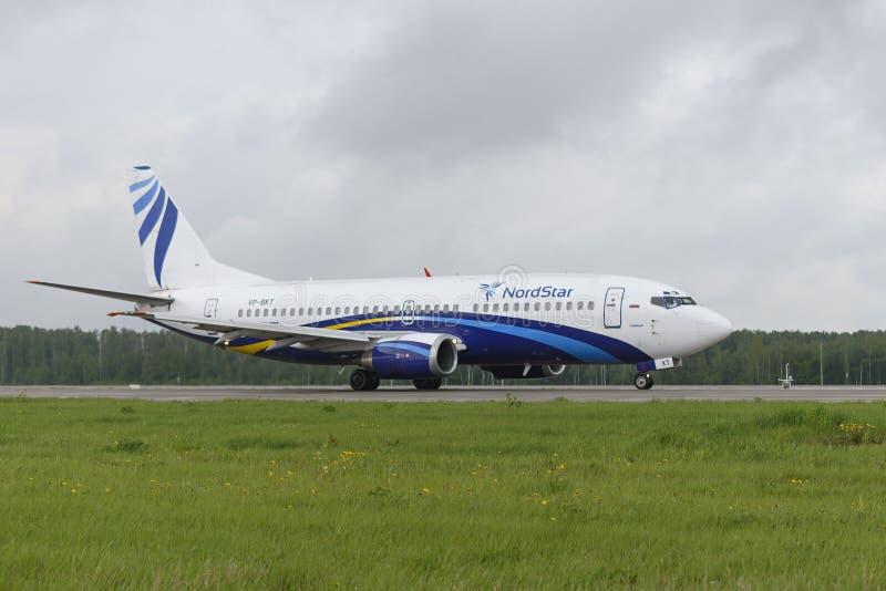 Ездить на такси авиакомпаний Boeing-737 Nordstar стоковое фото rf