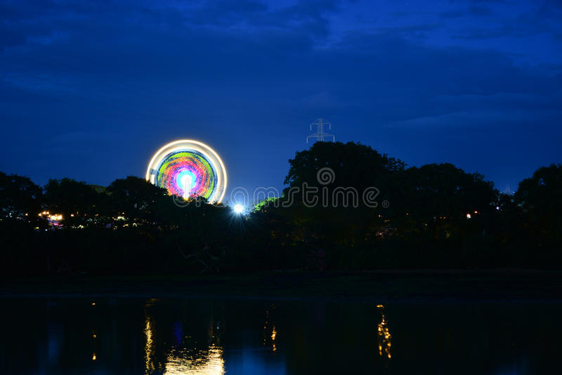 Езды фестиваля острова Уайт на ноче стоковые изображения rf