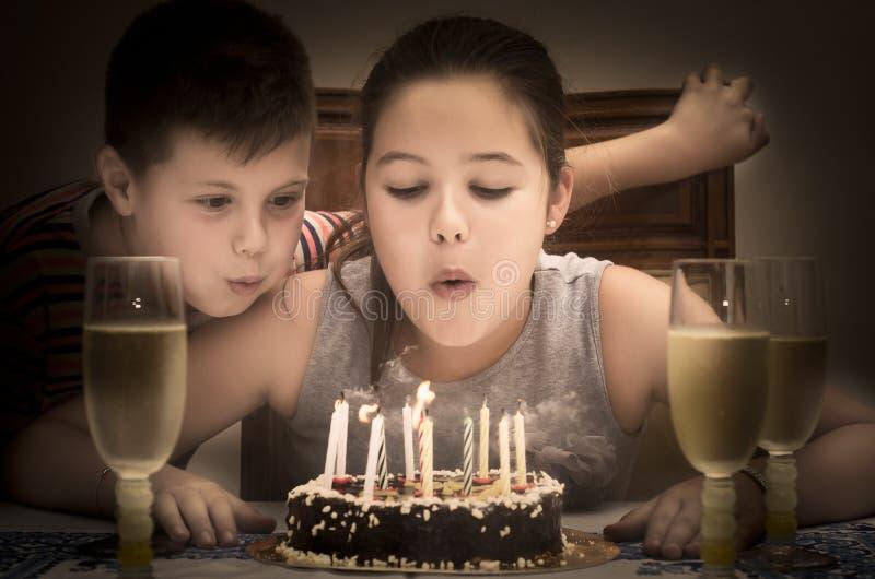 Download день рождения 2 счастливый стоковое изображение. изображение насчитывающей дети - 41656697