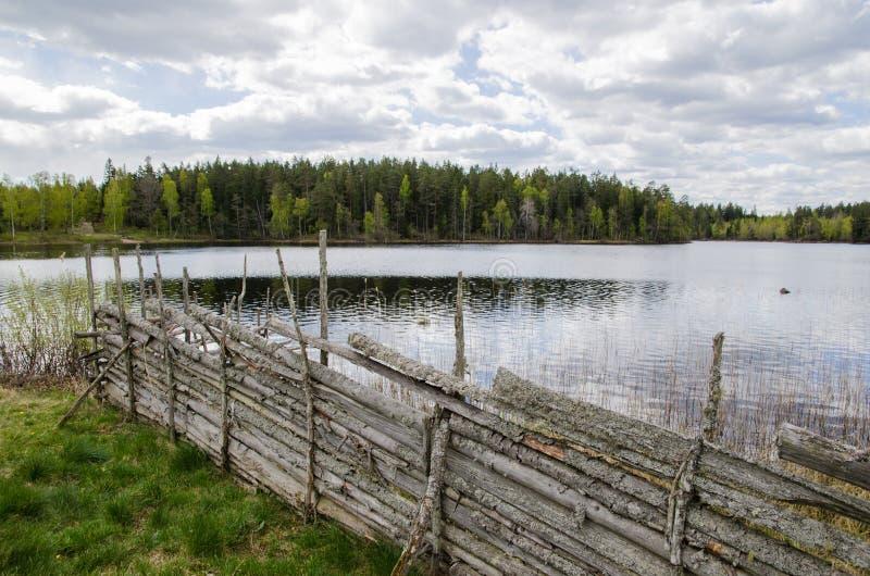 Download деревянное загородки традиционное Стоковое Фото - изображение насчитывающей старо, загородка: 40585754