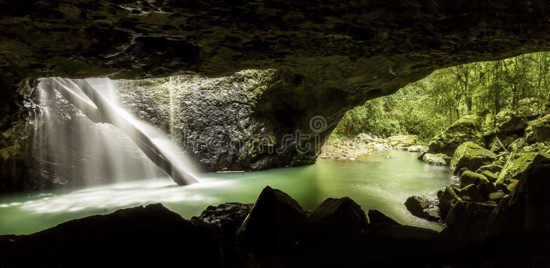 Естественная пещера Квинсленд моста стоковые фотографии rf