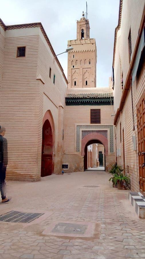 Естественное изображение мечети с архитектурой Al Jamal Faqal стоковые изображения