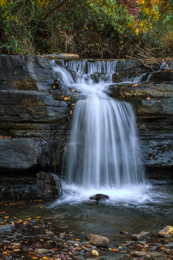 Естественный водопад 1 запруды стоковое изображение