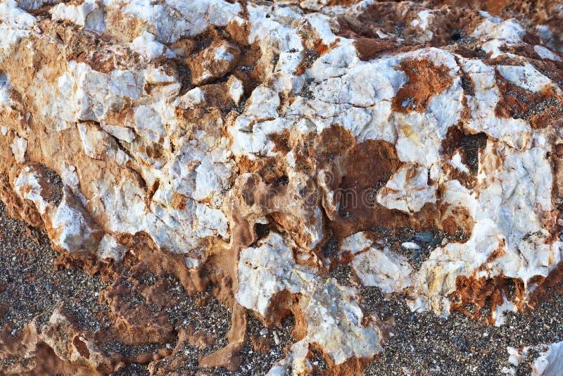 Естественный красочный камень Смогите быть использовано как предпосылка стоковые фото