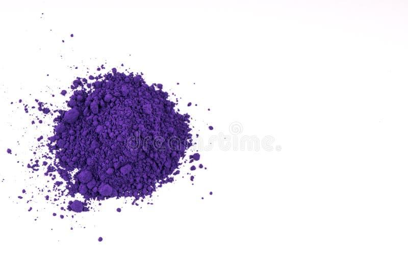 Естественным покрашенный пурпуром порошок пигмента стоковое фото rf