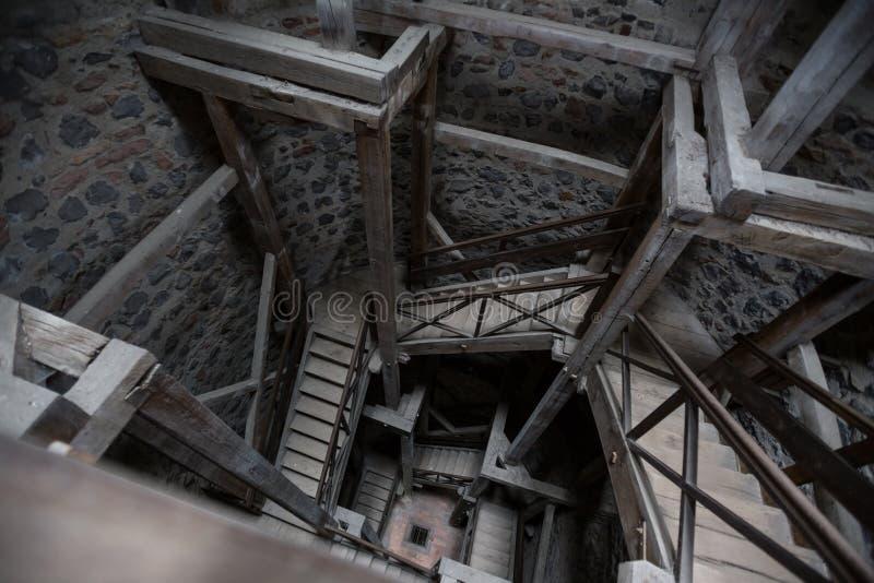 лестничный колодец hessen Германия башни muenzenberg замка старый стоковые изображения rf