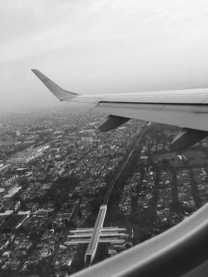 летать высоко стоковая фотография rf