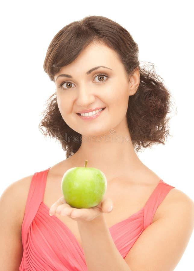 детеныши женщины яблока красивейшие зеленые стоковое изображение rf