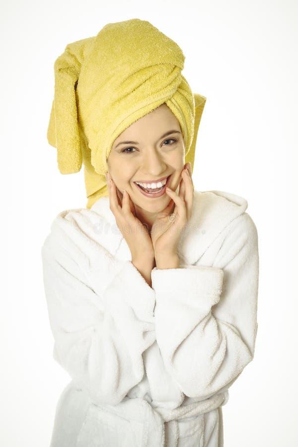 детеныши женщины bathrobe сь стоковая фотография rf
