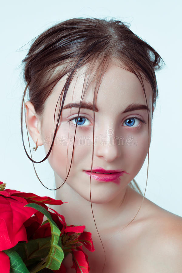 детеныши портрета девушки красотки E r стоковые фотографии rf