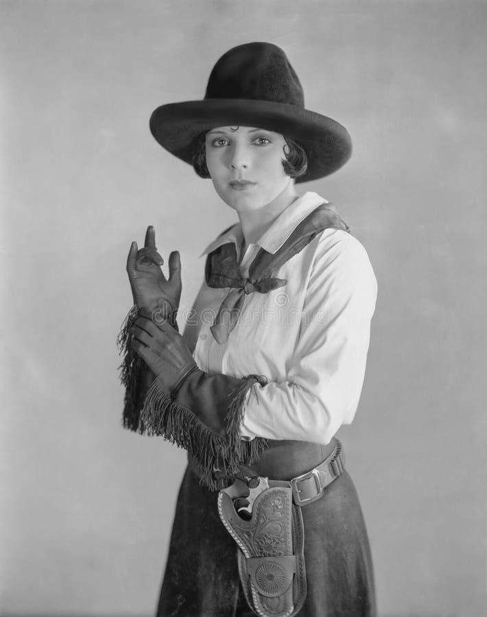 детеныши портрета шлема девушки пастушкы ковбоя стоковые фотографии rf