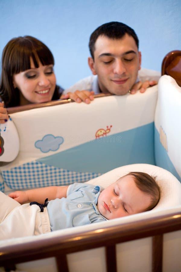 детеныши семьи newborn стоковое фото rf