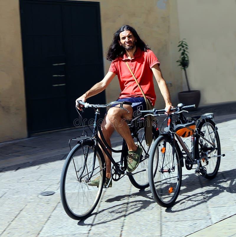 Ехать его велосипеды стоковые изображения