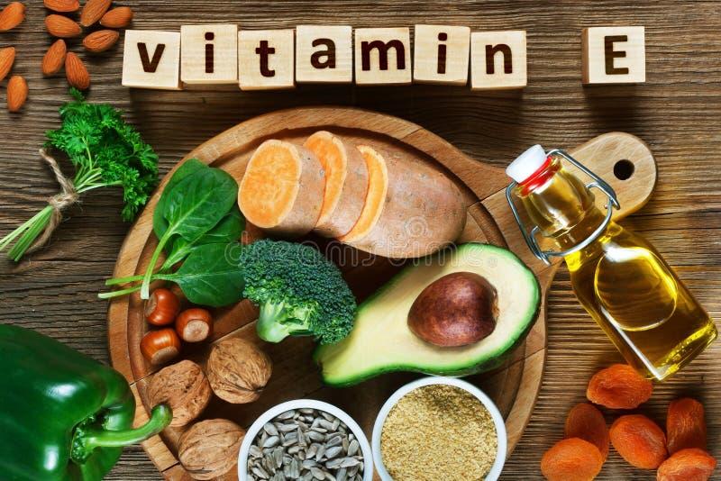 Еда богатая в витамине e стоковая фотография rf