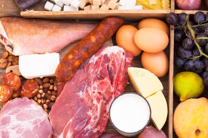 Еда вполне протеинов стоковое изображение rf