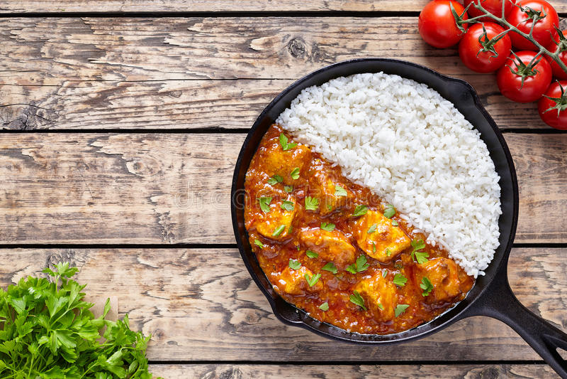 Еда и рис мяса masala tikka цыпленка азиатские традиционные пряные стоковые изображения