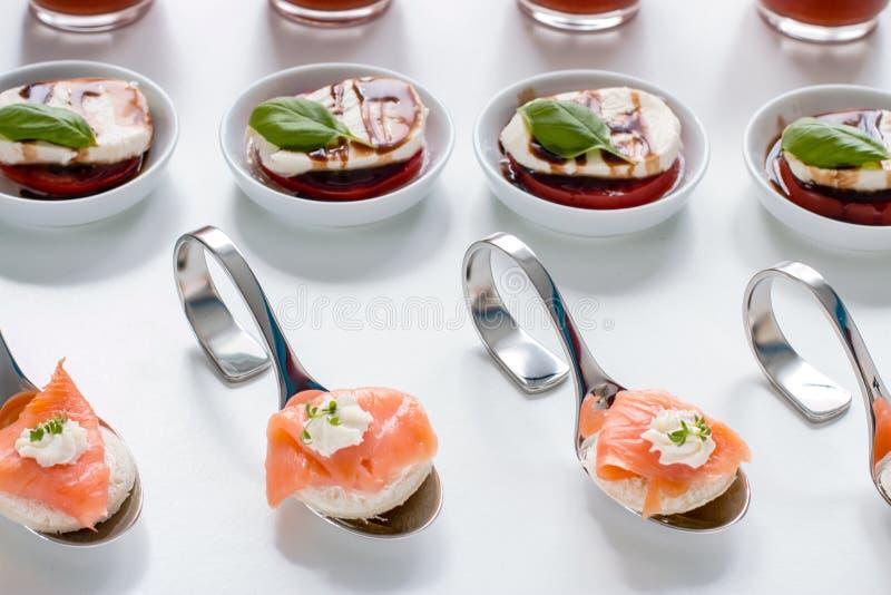 Еда пальца ресторанного обслуживании стоковое фото rf