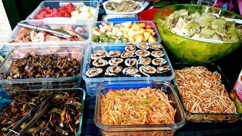 Еда пикника Potluck стоковые фотографии rf