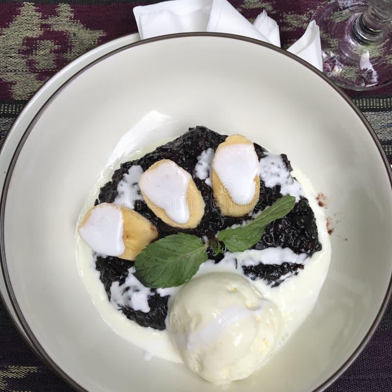 Еда ресторана десерта стоковые изображения