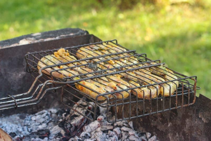 Жареные колбасы стоковые изображения