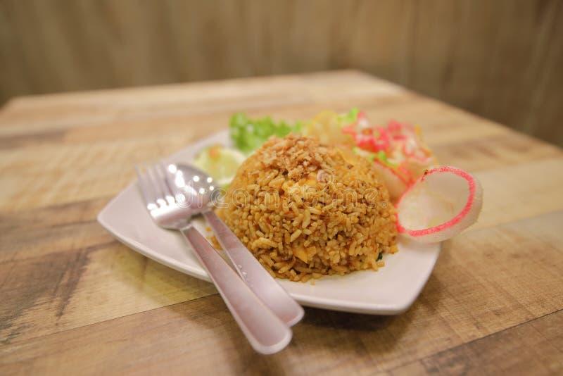 Жареные рисы Индонезия Nasi Goreng индонезийские стоковые изображения rf