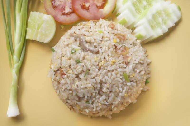 Жареные рисы - тайская еда стоковые фотографии rf