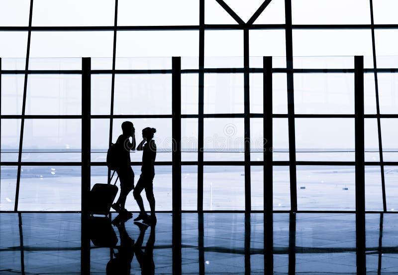 ждать авиапорта стоковое изображение rf