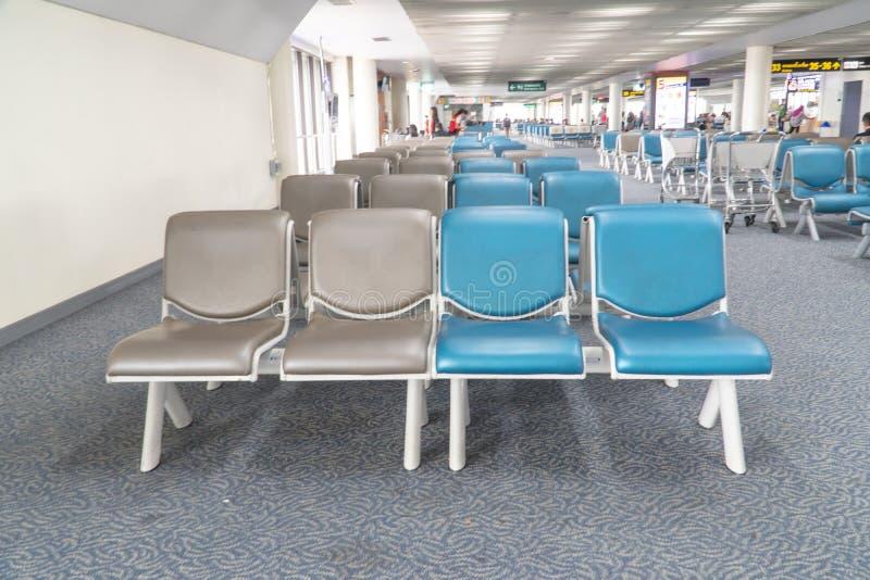 Ждать стул для пассажира в аэропорте стоковая фотография rf