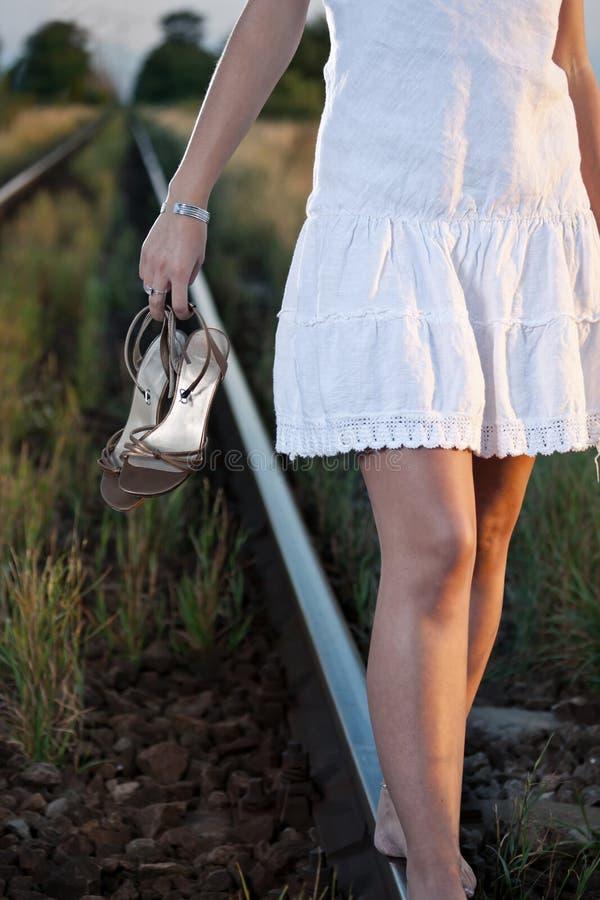 железнодорожная женщина стоковые фотографии rf