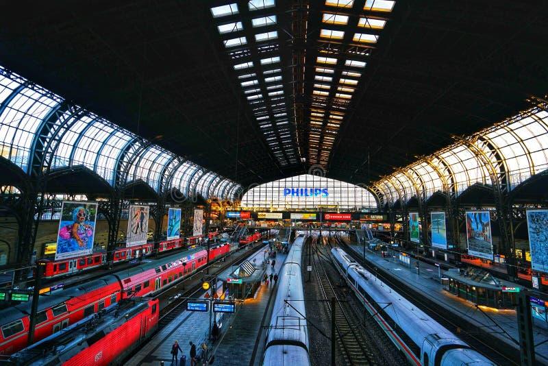 Железнодорожный вокзал Гамбурга Hauptbahnhof стоковое изображение rf