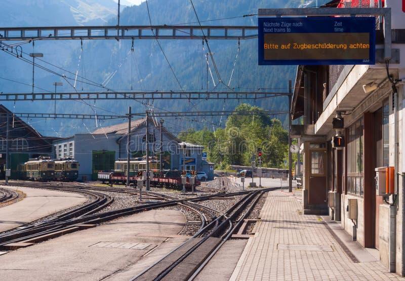 Железнодорожный вокзал Grindelwald Grund расположен в зоне Bernese Oberland Швейцарии Швейцария июль 2018 стоковые изображения rf