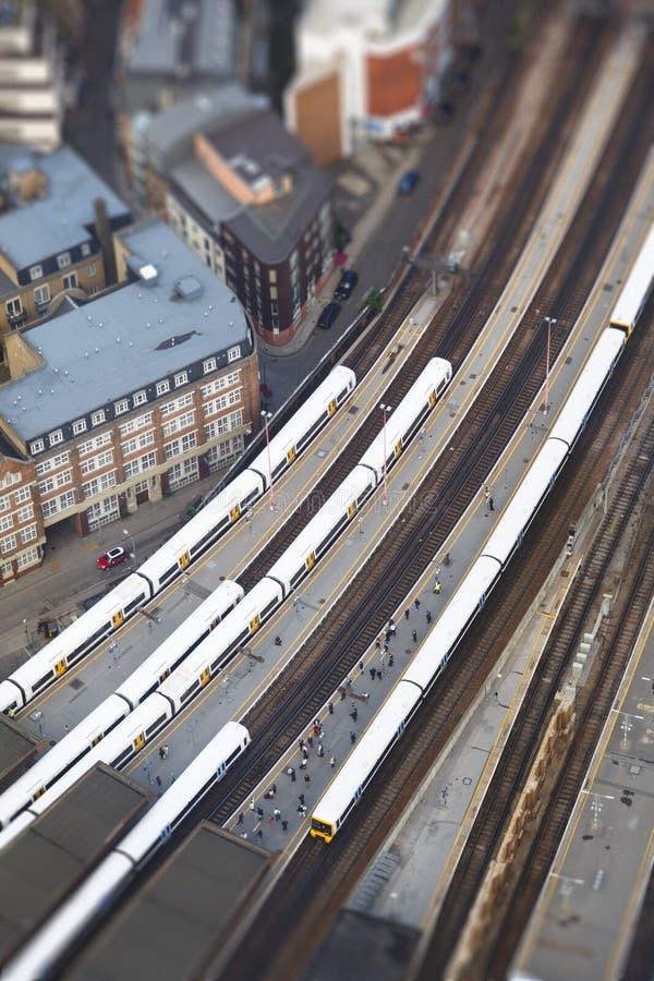 железнодорожный вокзал london моста стоковое фото rf