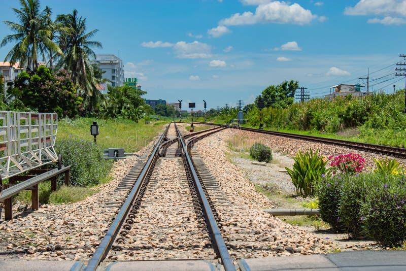 Железные дороги и рельсы переключателя пунктов стоковое изображение rf