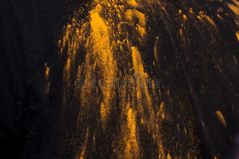 Желтая краска порошка стоковая фотография rf