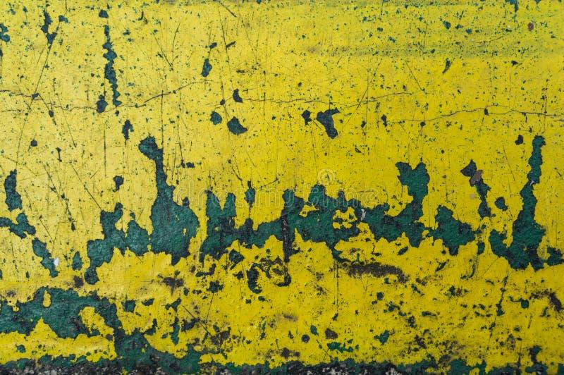 желтая предпосылка конспекта текстуры царапины Ржавчина и p слезать стоковая фотография